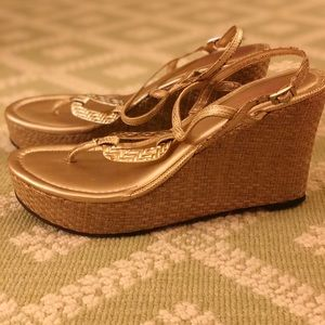 """Lilly Pulitzer """"As good as gold"""" high wedge"""